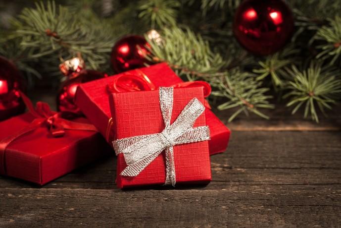 クリスマスプレゼントに2人でお揃いのペアアクセサリーを
