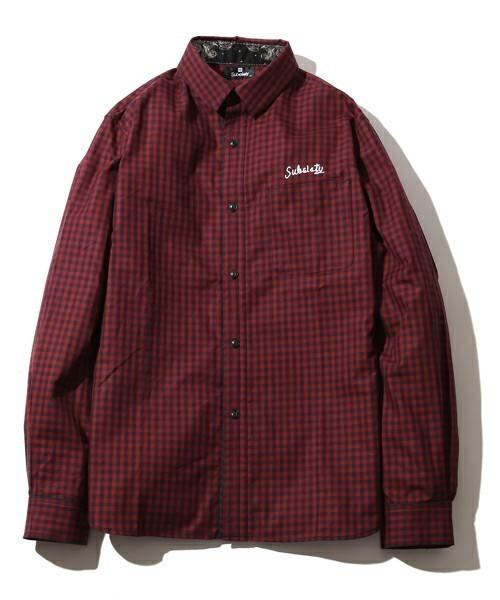 赤のギンガムチェックシャツ