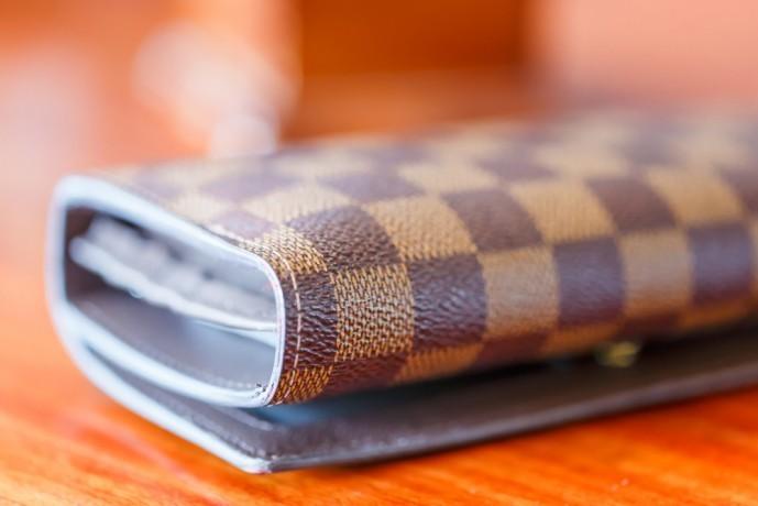 20代妻のクリスマスプレゼントに贈る財布.jpg