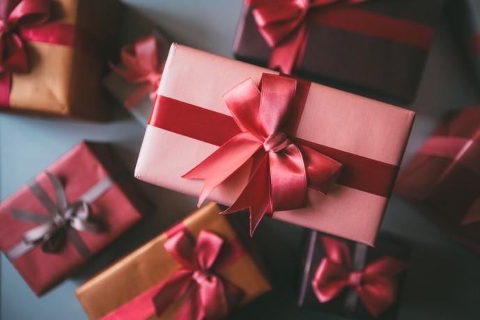 予算一万円で購入できるクリスマスプレゼント.jpg