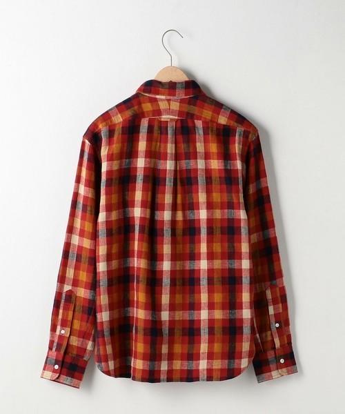 coenの赤チェックシャツ