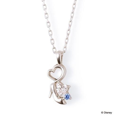 ディズニーのプレゼントにザ_キッスのシンデレラのガラスの靴ネックレス.jpg