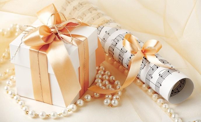 クリスマスプレゼントにおすすめのペアアクセサリーを紹介