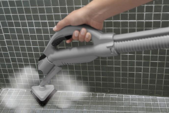 お風呂場で高温スチームクリーナーを使う人