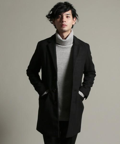黒のメルトンウールのチェスターコート