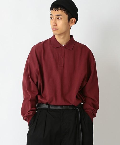 コーデで使われている暖色ポロシャツ