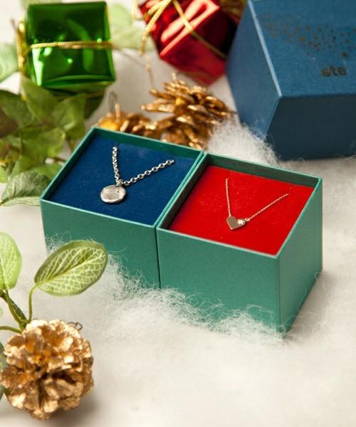 ペアアクサリーのクリスマスプレゼントにeteのスピカのペアネックレス.jpg