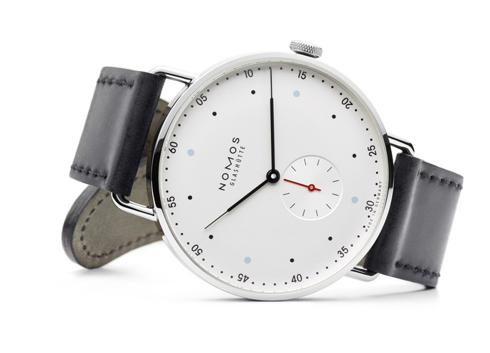 シンプルな新作時計