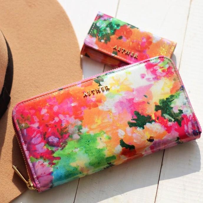 20代妻のクリスマスプレゼントに贈るエーテルの長財布.jpg