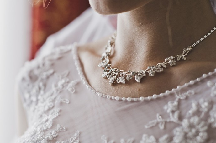 大切な女性にディズニーのネックレスの贈り物を