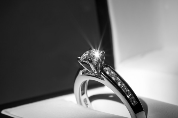彼女のクリスマスプレゼントに贈りたい指輪