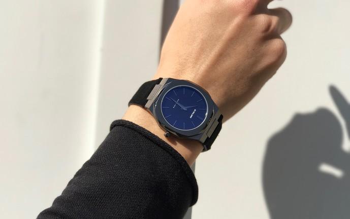 スーツに映える腕時計
