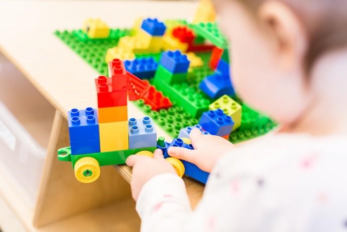 3歳の女の子へのおもちゃの誕生日プレゼント