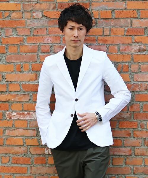 白テーラードジャケットを使ったメンズコーディネート