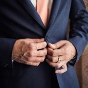 ネイビージャケットのメンズコーデ15選。参考にすべきおしゃれ着こなし術 | Smartlog