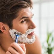 【3K男は嫌われる!】毎日の髭剃りはモテる男の基本条件 | Smartlog