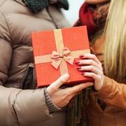 【予算別】女性へのクリスマスプレゼント特集。女友達や彼女が喜ぶギフトとは | Smartlog