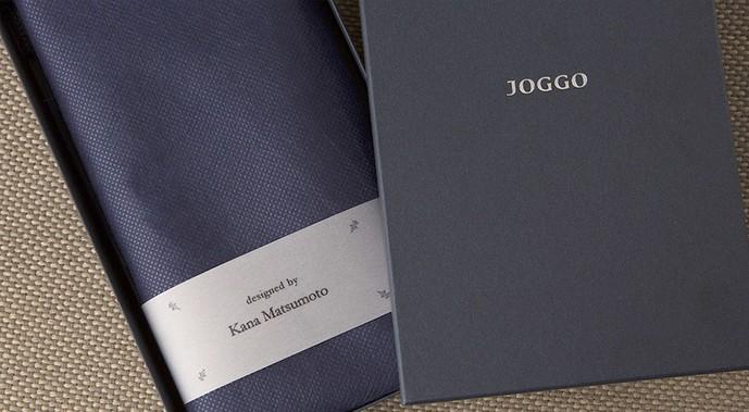 JOGGOはデザイン者名が入る