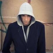 ジャケット×パーカーの着こなし特集。おしゃれなメンズ重ね着コーデとは | Smartlog