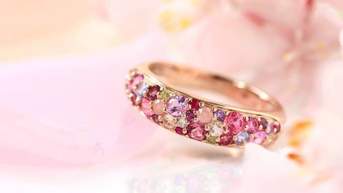 4_5年記念日のプレゼントにビズーのサクラブーケの指輪