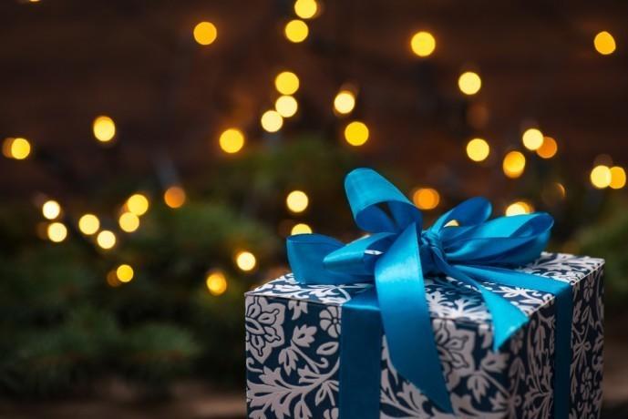 クリスマスにおしゃれなハンカチをプレゼント