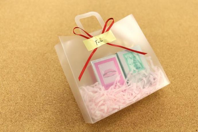 予算2000円のクリスマスプレゼントはパルファン・サルバドール・ダリの選べる香水セット