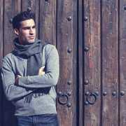 【メンズ】マフラーの理想的な使い方。秋冬コーデはおしゃれ小物で大人の装いに! | Smartlog
