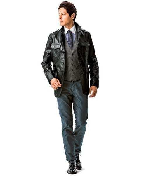 スーツスタイルにレザージャケットを合わせたおしゃれメンズコーディネート