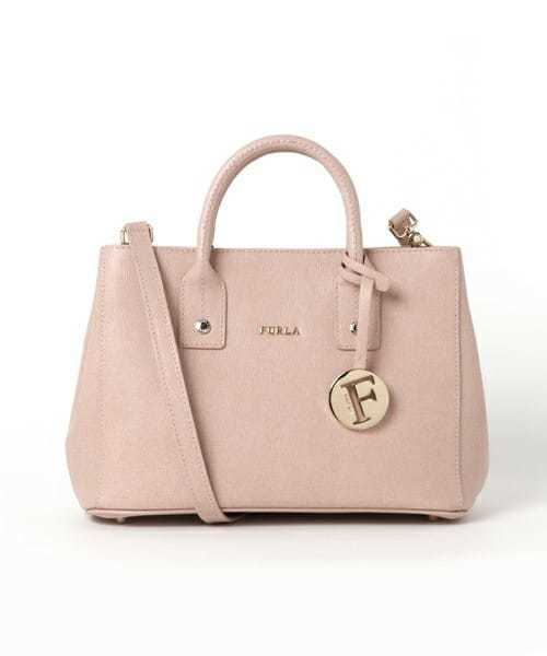 女性へのバッグのプレゼントにFURLAのリンダバッグ.jpg