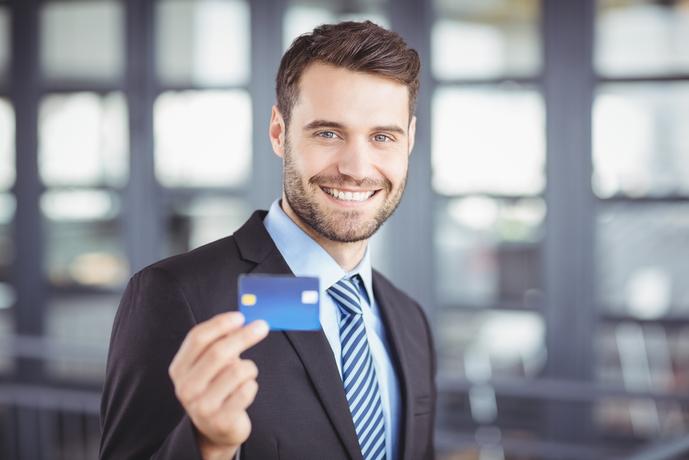 20代におすすめのクレジットカードとは