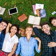 学生向けクレジットカードおすすめ6選。大学生向けの特典とは | Smartlog