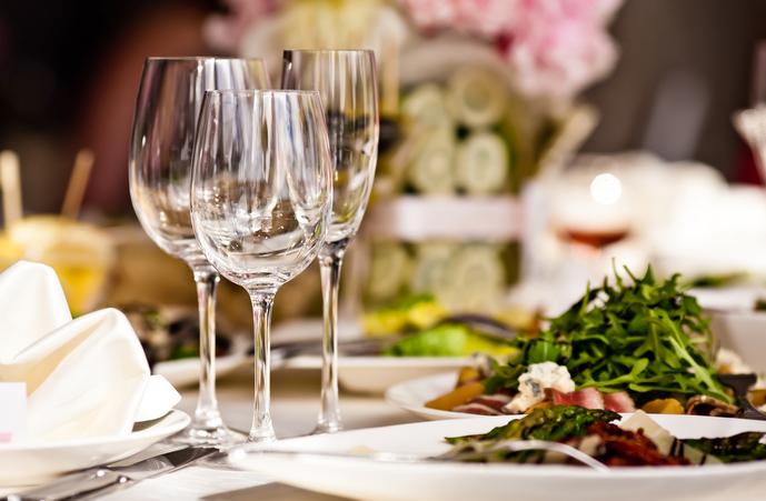 敬老の日のプレゼントはレストランなどの食事券