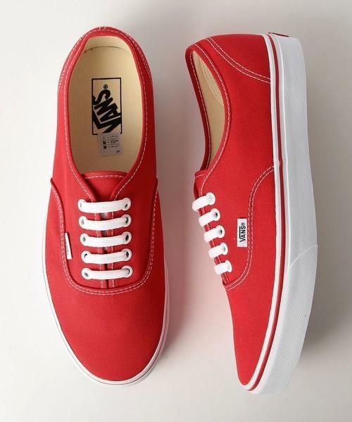 バンズの赤スニーカー