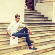 【美脚に魅せる】黒のスキニーパンツのメンズ着こなしコーデ術6選 | Smartlog