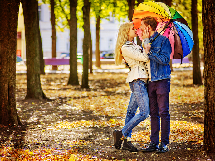 雨の日のカップル
