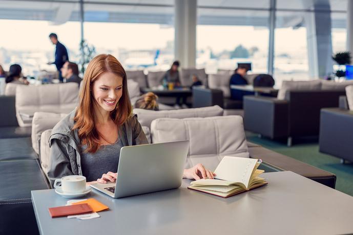 エポスゴールドカードは空港ラウンジ利用可能