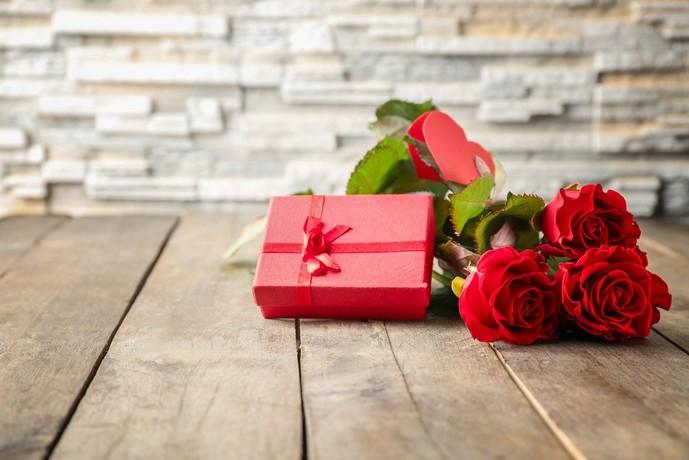 母の日に贈りたいバラの花言葉は