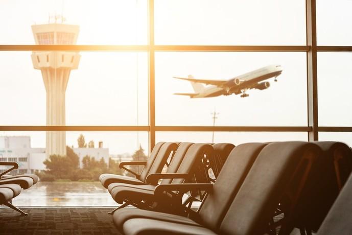 オリコカード ザ プラチナの特典で空港ラウンジ利用