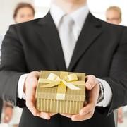 退職祝いのプレゼント人気ランキング。喜ばれるギフトを男女別で総特集 | Smartlog