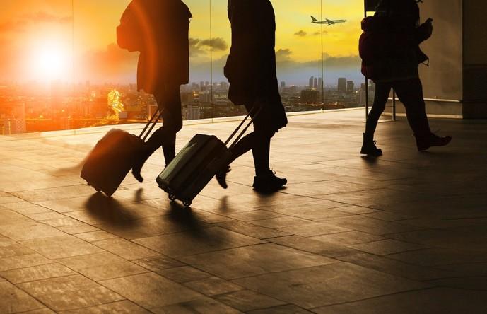 オリコゴールドカードの特典で海外旅行保険が付帯する