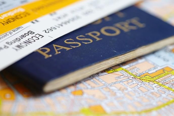 セゾンプラチナアメックスカードの特典で海外旅行保険