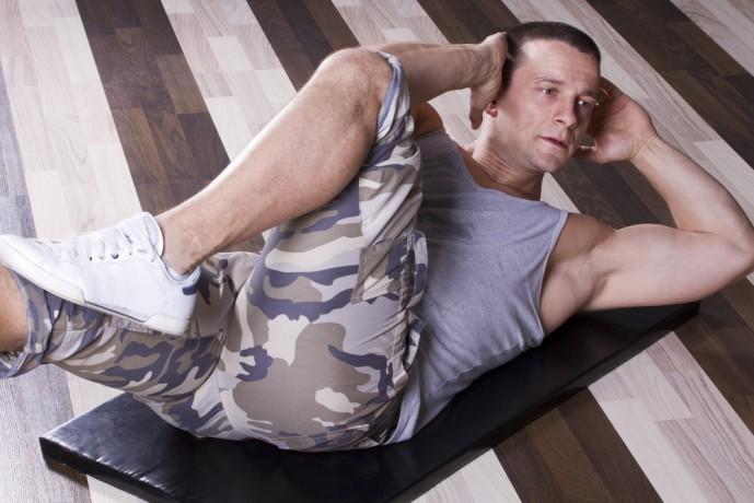 腹斜筋を鍛えられる自重筋トレメニュー