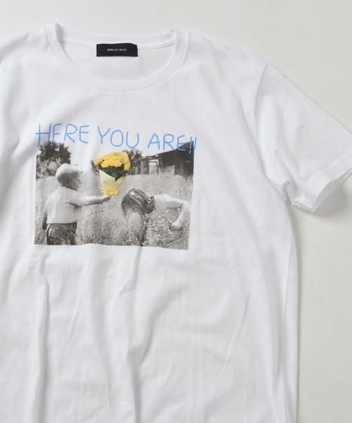 コーディネートに使用されている白Tシャツ