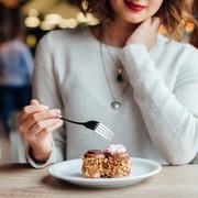 誕生日プレゼントに贈るお菓子スイーツ特集。女性が喜ぶおしゃれブランド20選 | Smartlog