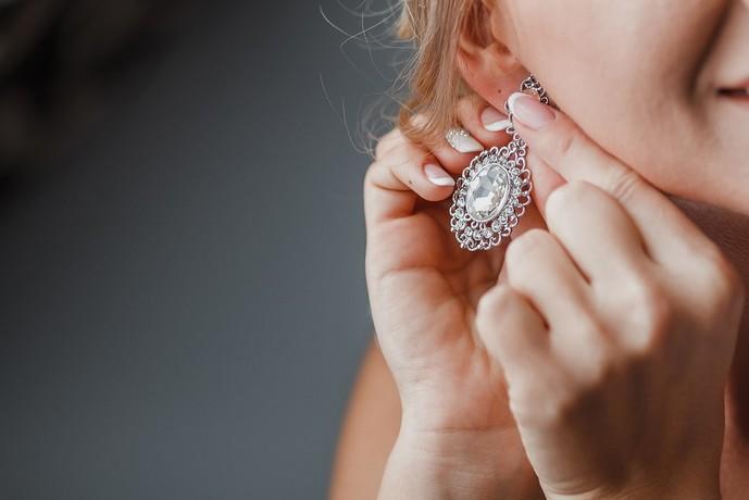 クリスマスプレゼントに贈りたいブランドアクセサリーはイヤリング