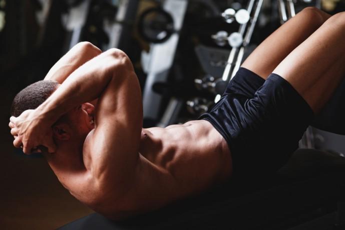 腹筋を効果的に鍛えられる自重筋トレメニュー