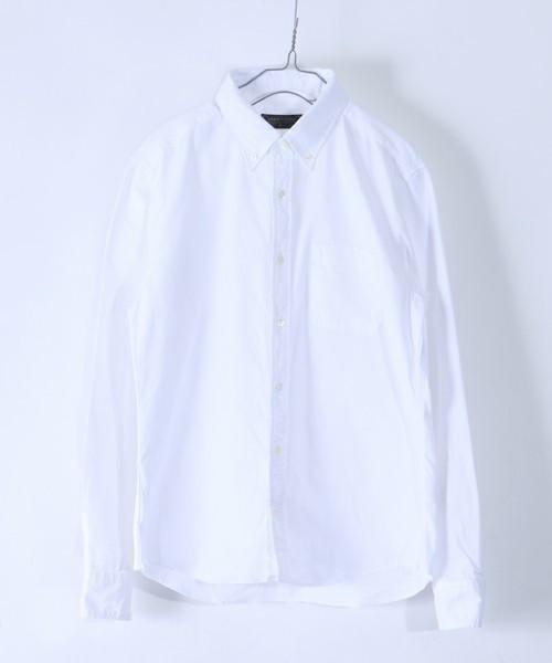 メンズにおすすめ白のボタンダウンシャツ