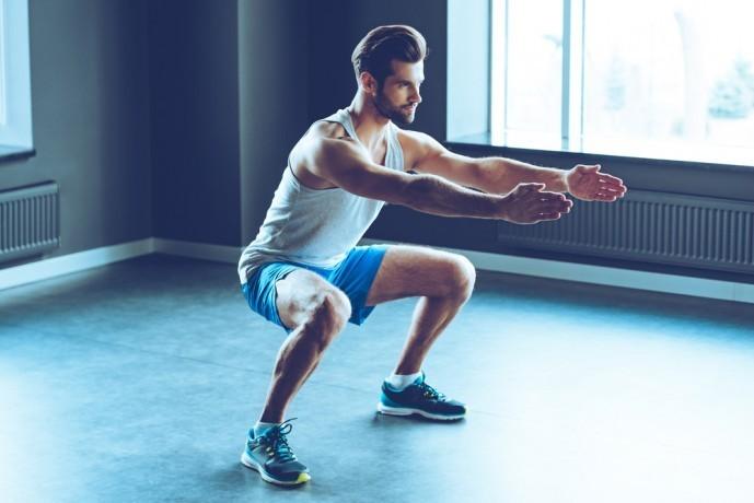 大腿四頭筋を鍛えられる効果的に自重トレーニング