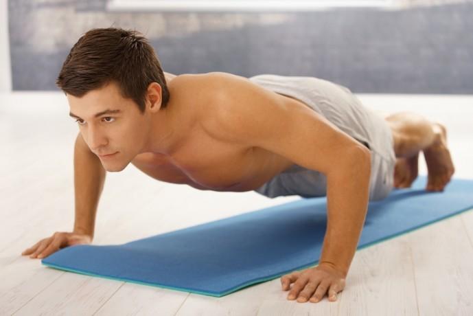 大胸筋下部を効果的に鍛えられるトレーニング