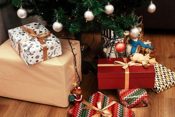 クリスマスには彼女にネックレスとぬいぐるみのセットをプレゼントして